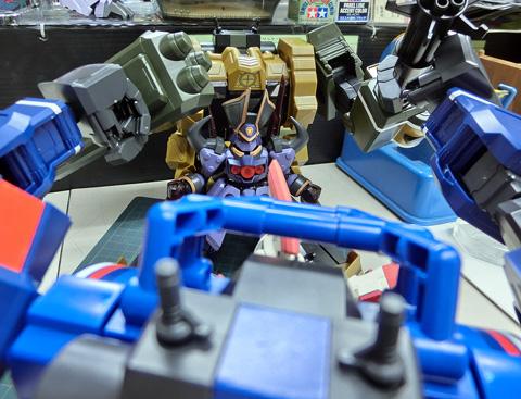 ライディングアーマー 武装装備 ロシウス プラモデル サンプル製作レビュー ダンボール戦機WARS タギミ