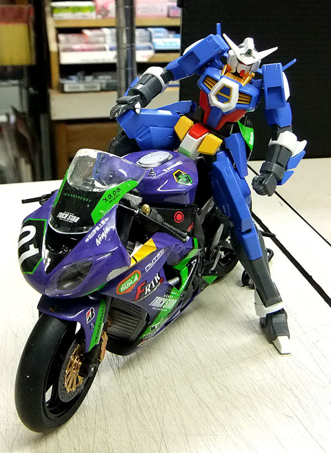 ライダーを乗せてみました! 第1回 バイクプラモデル限定コンペ 極私的プラモデルコンペ