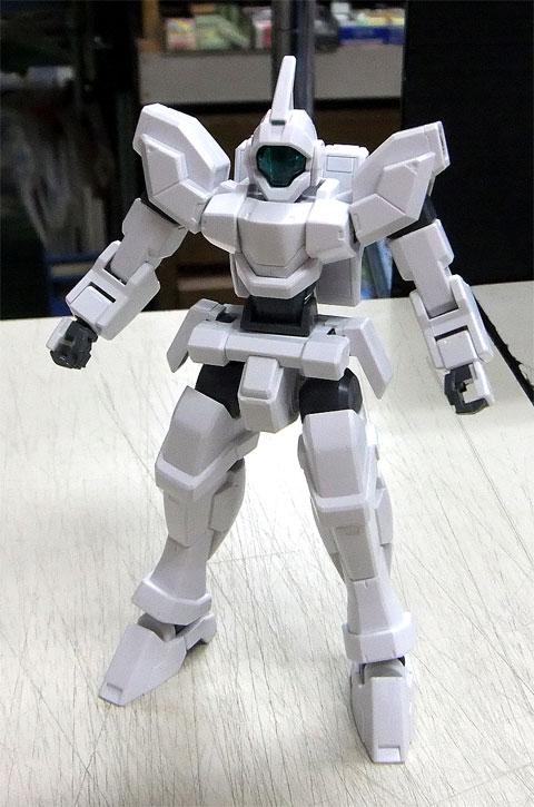 HG 1/144 ジェノアスカスタム 機動戦士ガンダムAGE プラモデル バンダイ
